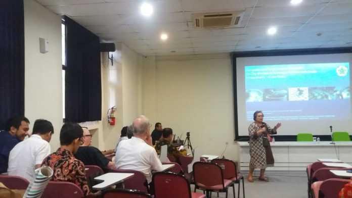 Join Lecture Occupational Health in Indonesia.(Foto: Kinanthi)