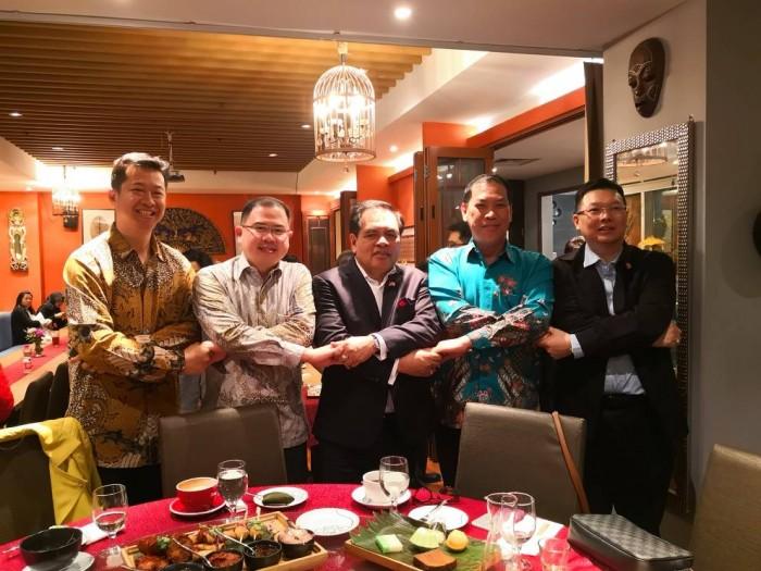 Dubes Djauhari Ajak Para Pengusaha Indonesia di Tiongkok Majukan Ekonomi Indonesia.(Foto: Dok. KBRI Beijing)