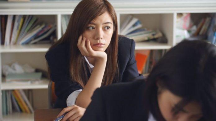 Ilustrasi : Merasa jenuh ketika mengerjakan sesuatu sering dianggap negatif oleh sebagian orang. Padahal kejenuhan bisa menjadi tantangan dan wajar dialami setiap orang. Foto: Hipwee.com