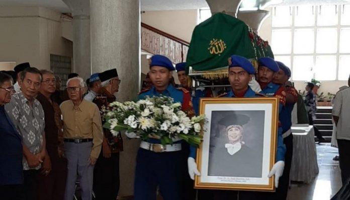 Berpulangnya Sudi meninggalkan kesan mendalam bagi para kolega dan muridnya. Foto: Istimewa