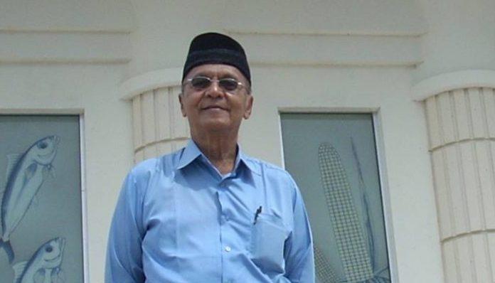 Menurut kesaksian seorang kolega dekatnya, almarhum Prof. Dulbahri tak pernah absen salat tahajud delapan rakaat dan witir 3 rakaat, kemudian dilanjutkan dengan berdoa. Foto: Ist