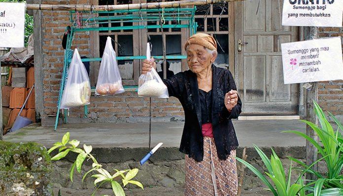 Wanita lanjut usia yang menjadi latar dari KAGAMA Canthelan, Soma Kasinem, telah dipanggil Sang Maha Kuasa. Foto: KAGAMA Care