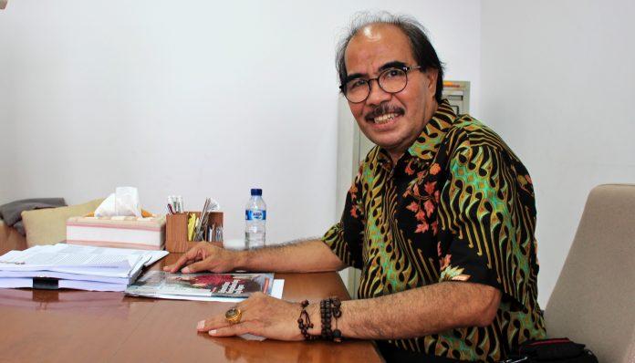 Kepergian Guru Besar FISIPOL UGM, Cornelis Lay, meninggalkan kisah perjuangan hidup yang ditulisnya dari Kupang. Foto: Taufiq Hakim
