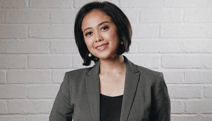 News Anchor CNN Indonesia, Putri Ayuningtyas, memberikan kiat menjadi public speaker yang baik dalam webinar yang dihelat oleh PP Kagama. Foto: Instagram @putrigrimaldy