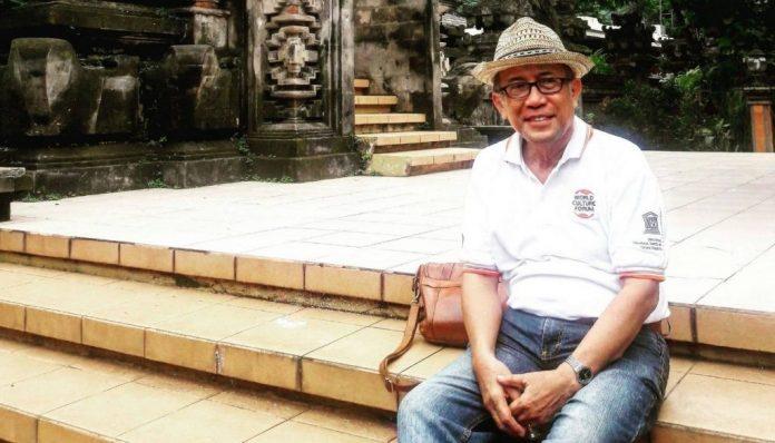 Achmad Charris Zubair, Ketua Kagama Filsafat memberikan pandangannya mengenai Pancasila dan dinamika ideologi. Foto: Ist