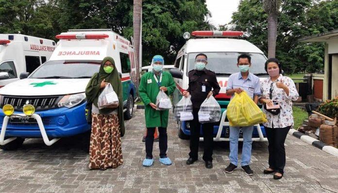 KAGAMA Balikpapan menggalang donasi untuk mendukung aktivitas penanggunalangan Covid-19. Foto: KAGAMA Balikpapan